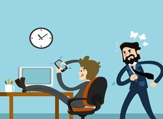 Posso ser demitido por usar o celular no local de trabalho