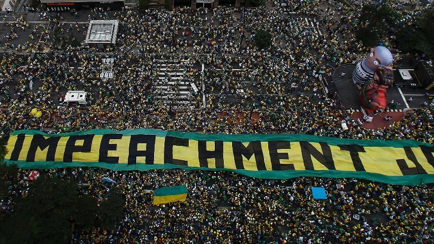 Pergunta Em caso de impeachment do vice-presidente quem assume a presidncia