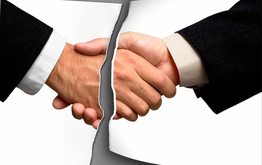 A falta de pagamento no opera por si s a resciso unilateral do contrato de plano ou seguro de sade